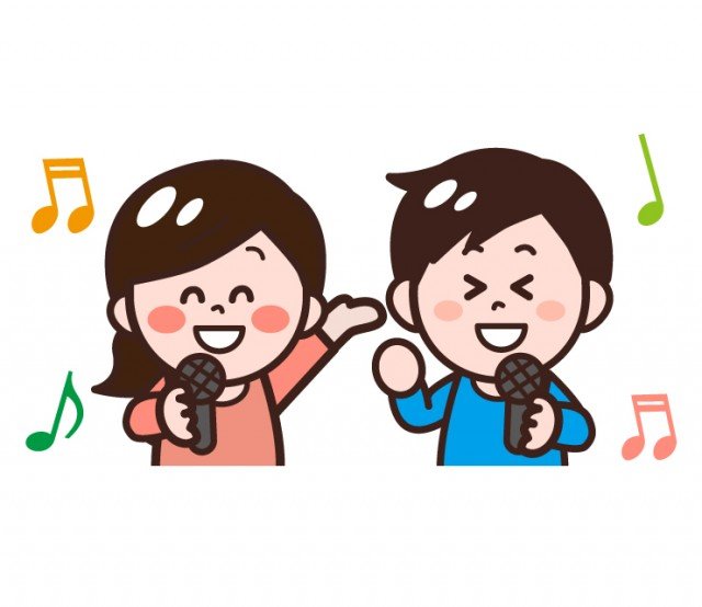 マイクを手にカラオケで歌う大人男性女性のイラスト 無料